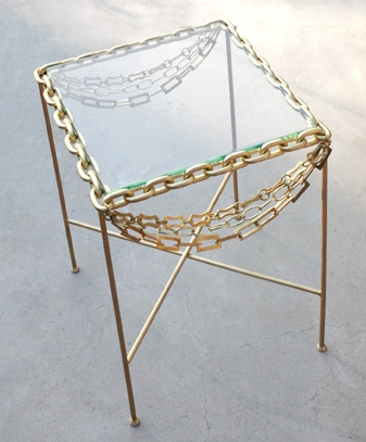 Necklace table